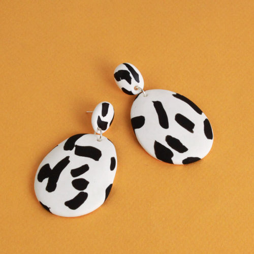 EARRINGS-BLACK-ABSTRACT-PATTERN-EMILY-GREEN-COOL-MACHINE-2
