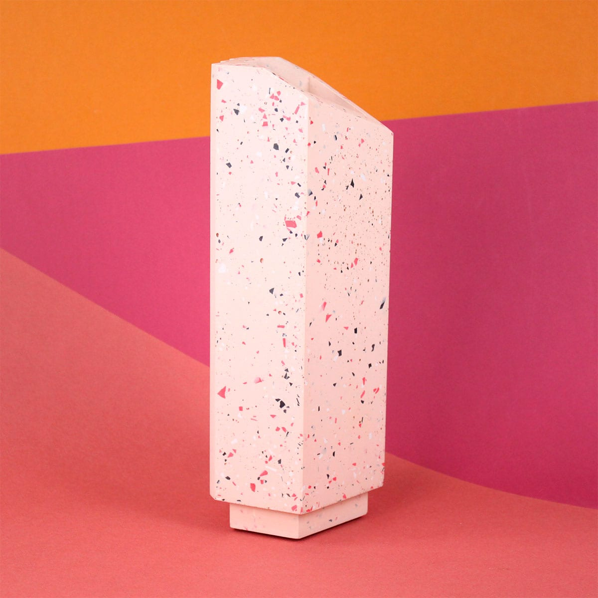 TALL FRECKLED VASE PINK FRAUKLARER