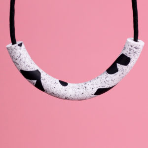NECKLACE COMMA
