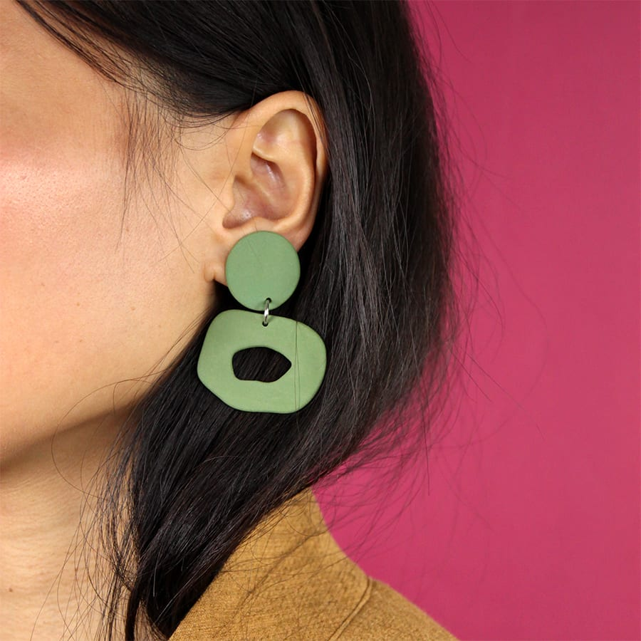 EARRINGS CUTOUT DANGLE