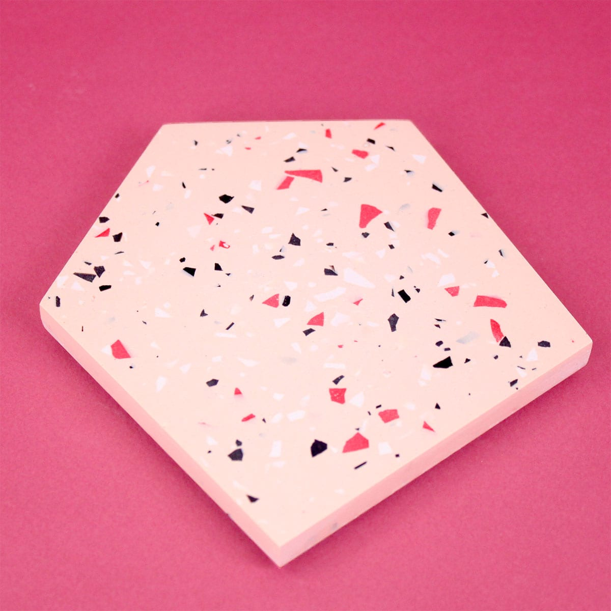 SET OF TWO FRECKLED COASTERS PINK FRAUKLARER