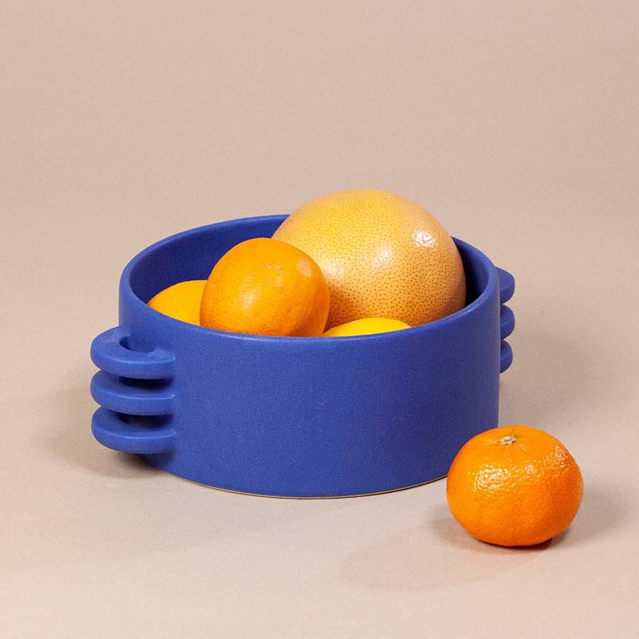 FRUIT-BOWL-LE-GRAND-BLEU-CERAMICS-BY-LAURA-HANDMADE-IN-FRANCE-COOL-MACHINE-3