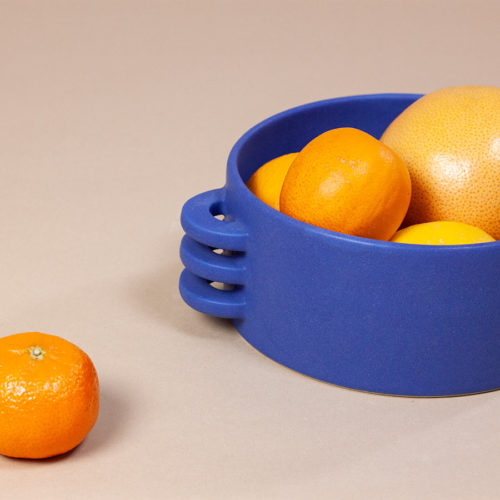 FRUIT-BOWL-LE-GRAND-BLEU-CERAMICS-BY-LAURA-HANDMADE-IN-FRANCE-COOL-MACHINE-4