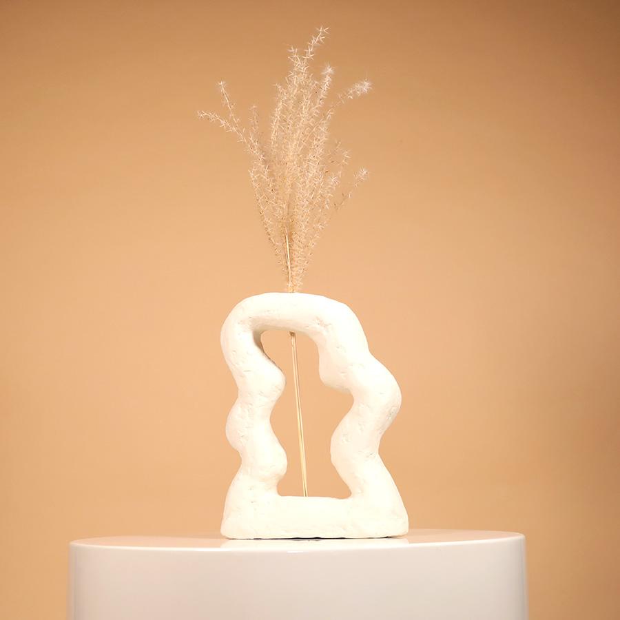 Paper clay Dune vase De La Jardin Jacqueline de la Fuente sustainable design handmade in UK cool machine art and design store creative studio (1)