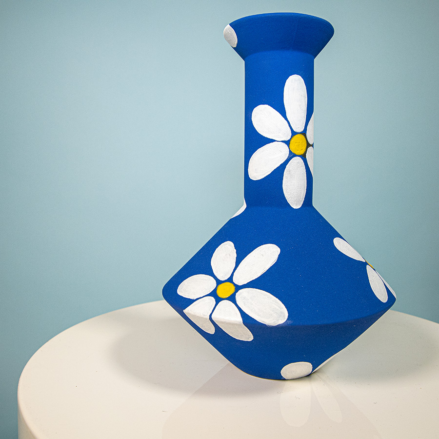Vase Paris Julie Lansom handmade in France Special Edition Handpainted daisy flowers unique vase Cool Machine art and design store creative studio (2)